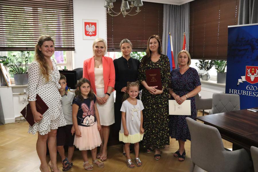 zrzut ekranu 2020 08 27 o 11 01 34 Nauczycielki z Hrubieszowa otrzymały awanse