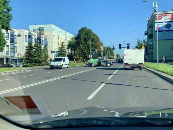 119032955 651237282474307 9099368973371257975 n UWAGA kierowcy! Zderzenie dwóch aut na Piłsudskiego [ZDJĘCIA]