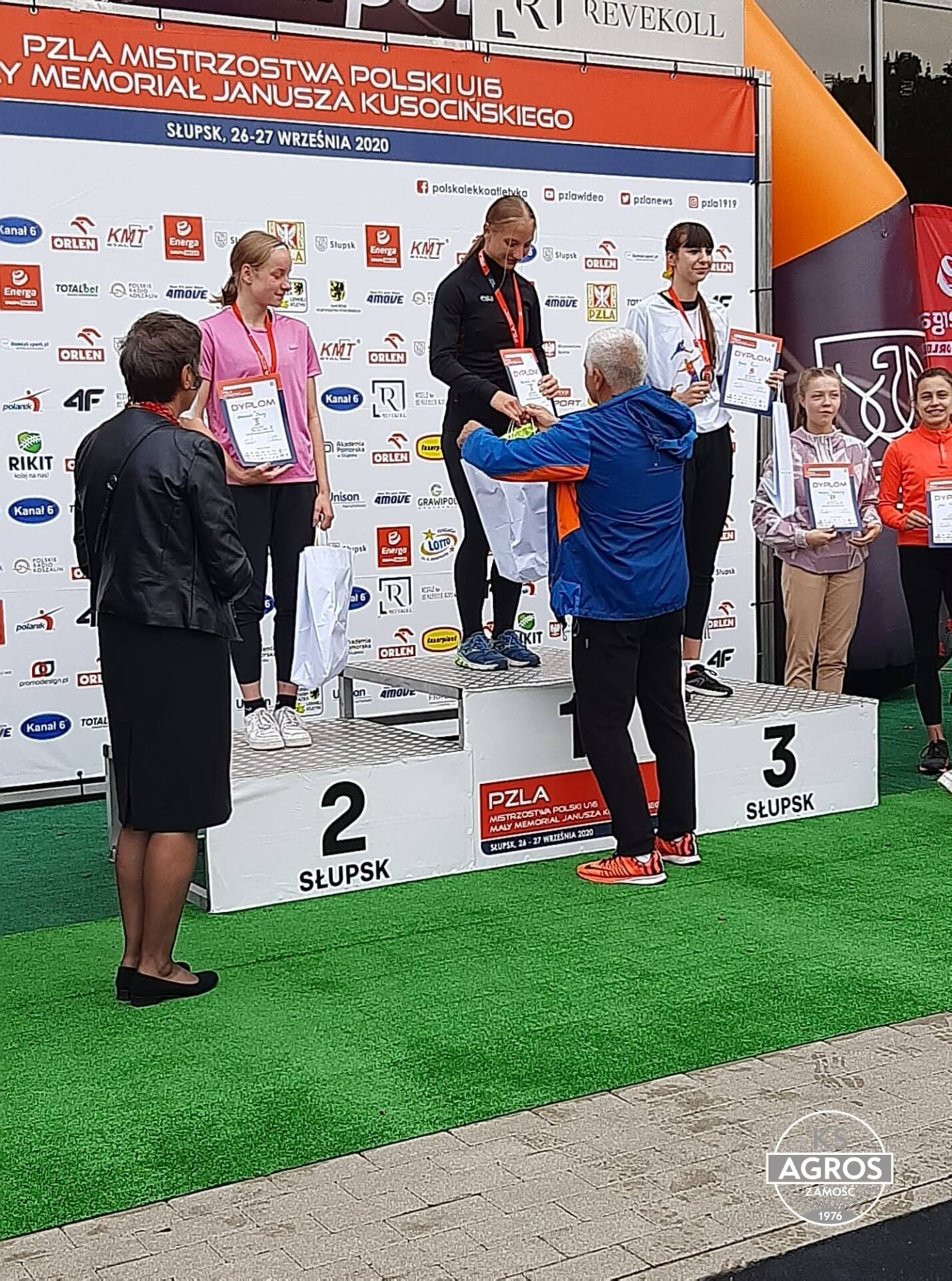 120243304 364055434784937 3303753938590037895 n Szybka jak błyskawica. Zamojska sprinterka - Martyna Seń pobiła rekord Polski!