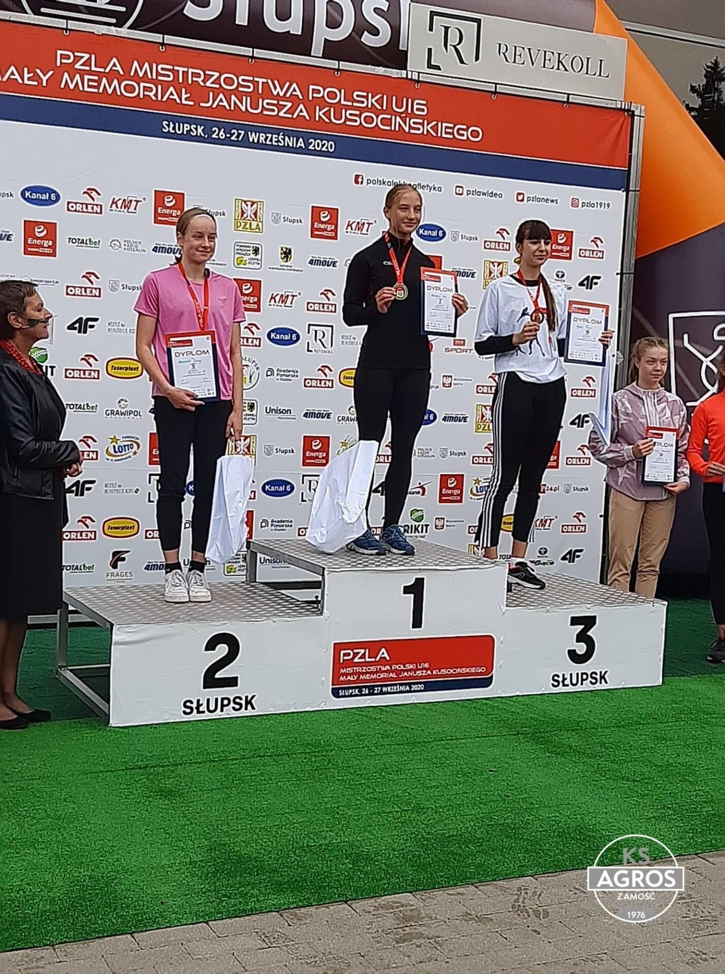 120280018 987522078395159 8707118603126400211 n Szybka jak błyskawica. Zamojska sprinterka - Martyna Seń pobiła rekord Polski!