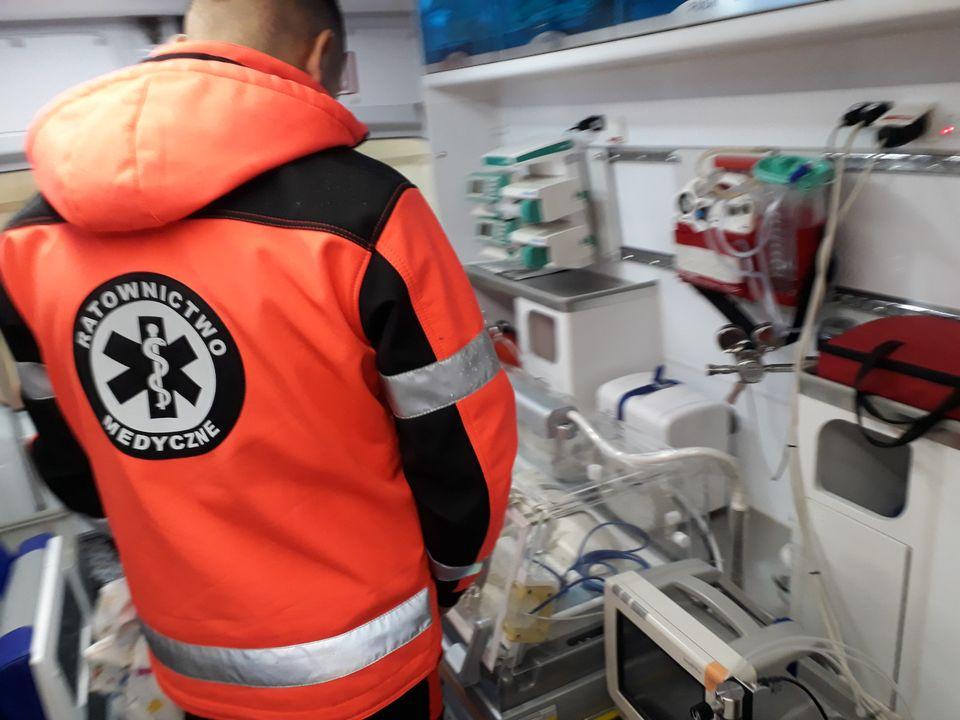 120366401 129908845525710 2415299821347965690 o Dobra wiadomość! Ambulans ratujący życie najmłodszych pacjentów wraca do pracy!