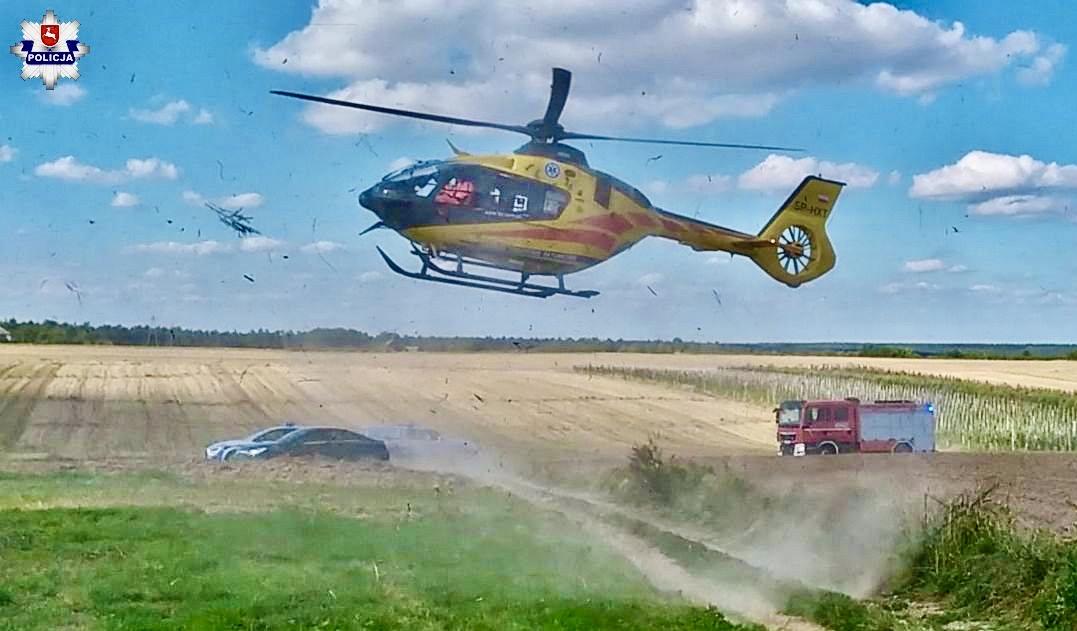 68 174130 Nieszczęśliwy wypadek podczas prac polowych. Wezwano załogę Lotniczego Pogotowia Ratunkowego,