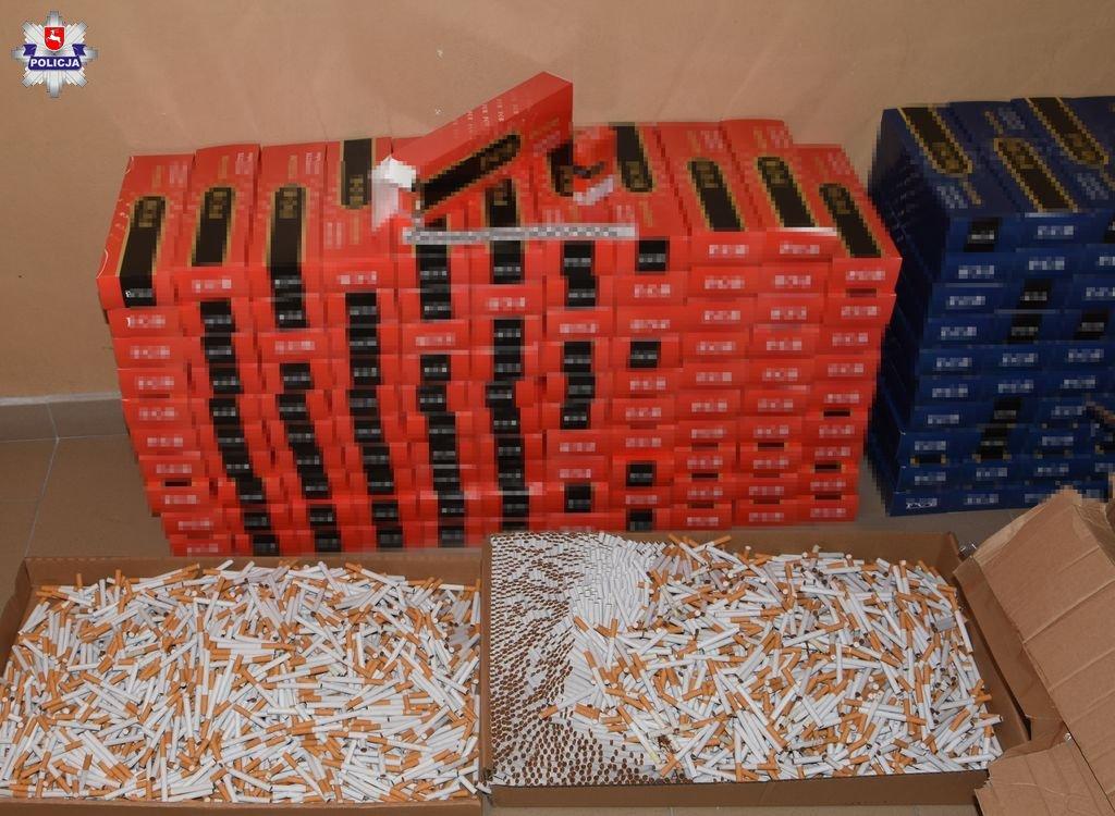 policja1 2 Zabezpieczono ponad 93 tysiące sztuk papierosów bez polskich znaków akcyzy