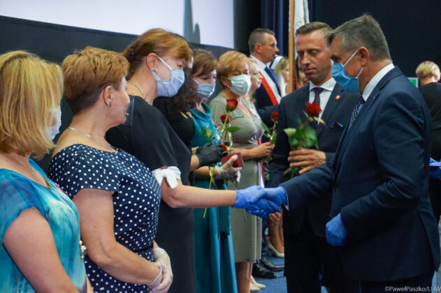 """szpital Zakończenie inwestycji i odznaczenia w """"papieskim"""