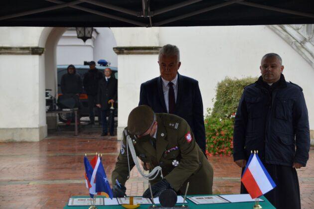 wot 8 Uroczyste obchody święta Wojsk Obrony Terytorialnej wZamościu