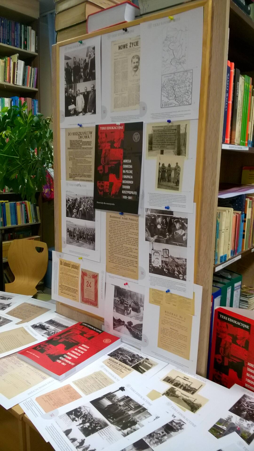 wp 20200910 010 W Bursie Międzyszkolnej Nr 2 uczczono pamięć ofiar sowieckiej agresji na Polskę