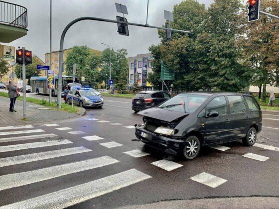 120708768 1077610592658852 8056037721203184868 n Z ostatniej chwili! Zderzenie dwóch aut w centrum miasta. Utrudniania dla kierowców.