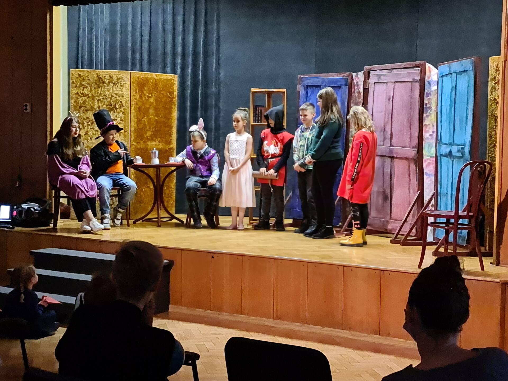 20201020 101813 Zamojskie Premiery Teatralne. Młodzi aktorzy pokazali swoje umiejętności [FOTORELACJA]