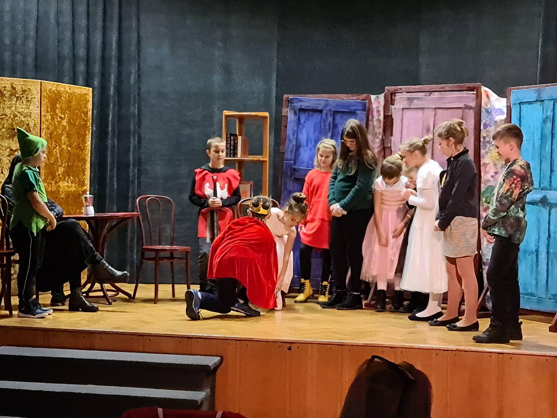 20201020 102541 Zamojskie Premiery Teatralne. Młodzi aktorzy pokazali swoje umiejętności [FOTORELACJA]