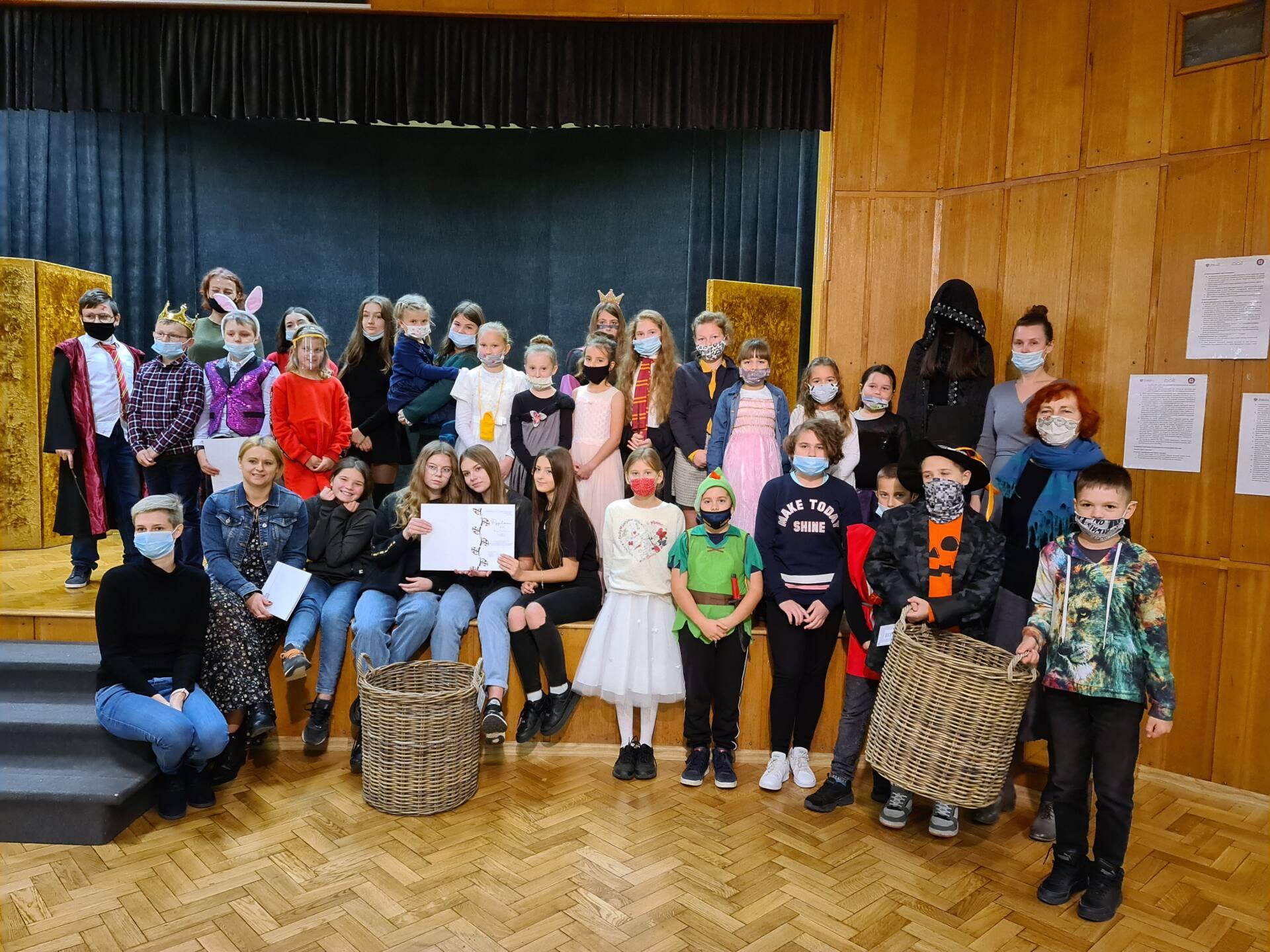 20201020 111225 Zamojskie Premiery Teatralne. Młodzi aktorzy pokazali swoje umiejętności [FOTORELACJA]
