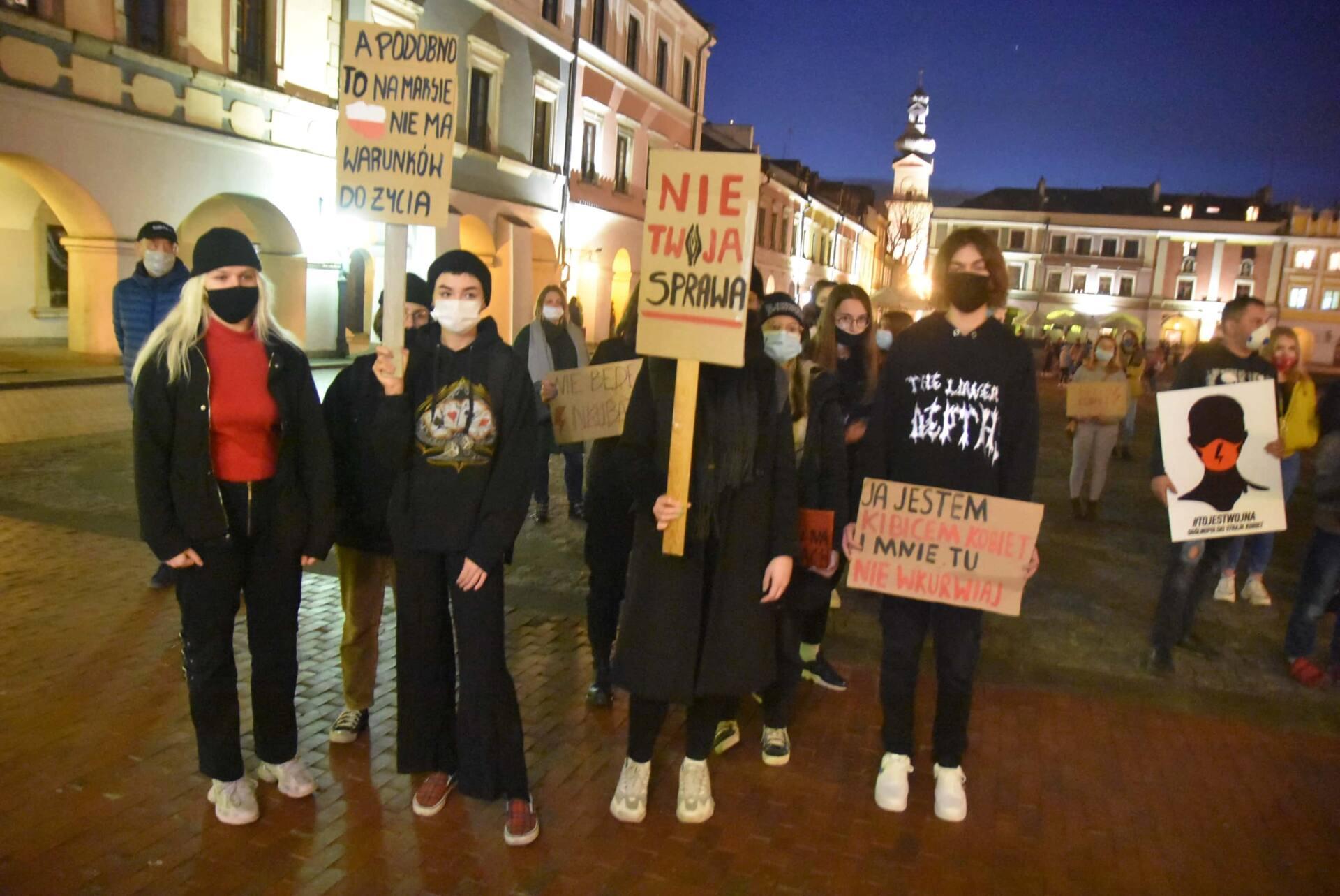dsc 3088 Strajk Kobiet w Zamościu (zdjęcia)