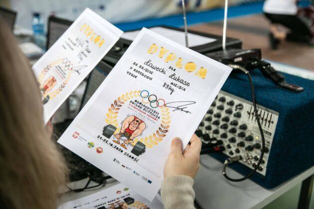 puchar roztocza w podnoszeniu ciezarow 122 Zmagania ciężarowców w Pucharze Roztocza (wyniki i ponad 200 zdjęć)