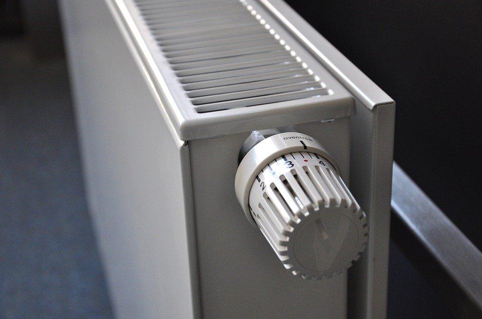 radiator 250558 960 720 Zamość: Cieplej w mieszkaniach. Rusza sezon grzewczy