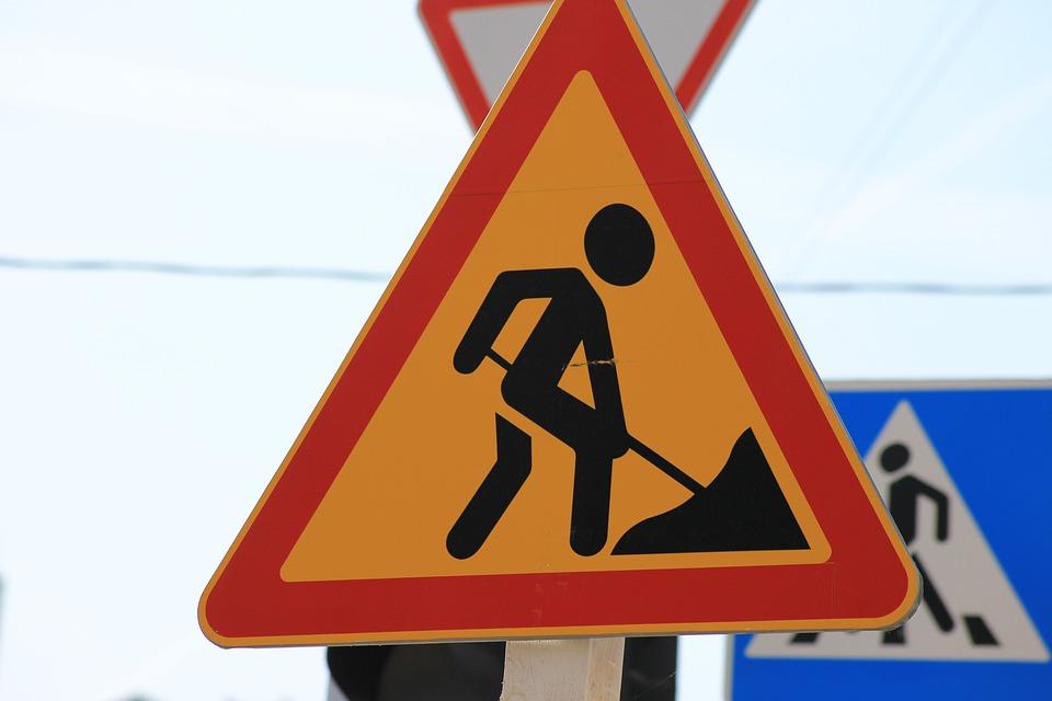 road sign 4474011 960 720 UWAGA kierowcy! Utrudnienia na krajowej 74