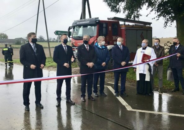 zrzut ekranu 2020 10 19 o 11 22 28 Powiat Zamojski. Nowa droga łącząca trzy gminy oficjalnie oddana do użytku
