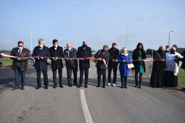 zrzut ekranu 2020 10 21 o 11 24 22 Powiat Zamojski. Przybyły kolejne kilometry zmodernizowanych dróg.