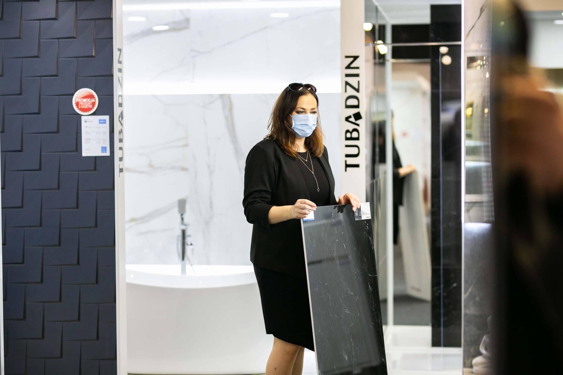 5db 5549 Salon BLU: na ponad 500 m2., 36 łazienkowych aranżacji i bogata ekspozycja wyposażenia (zdjęcia)