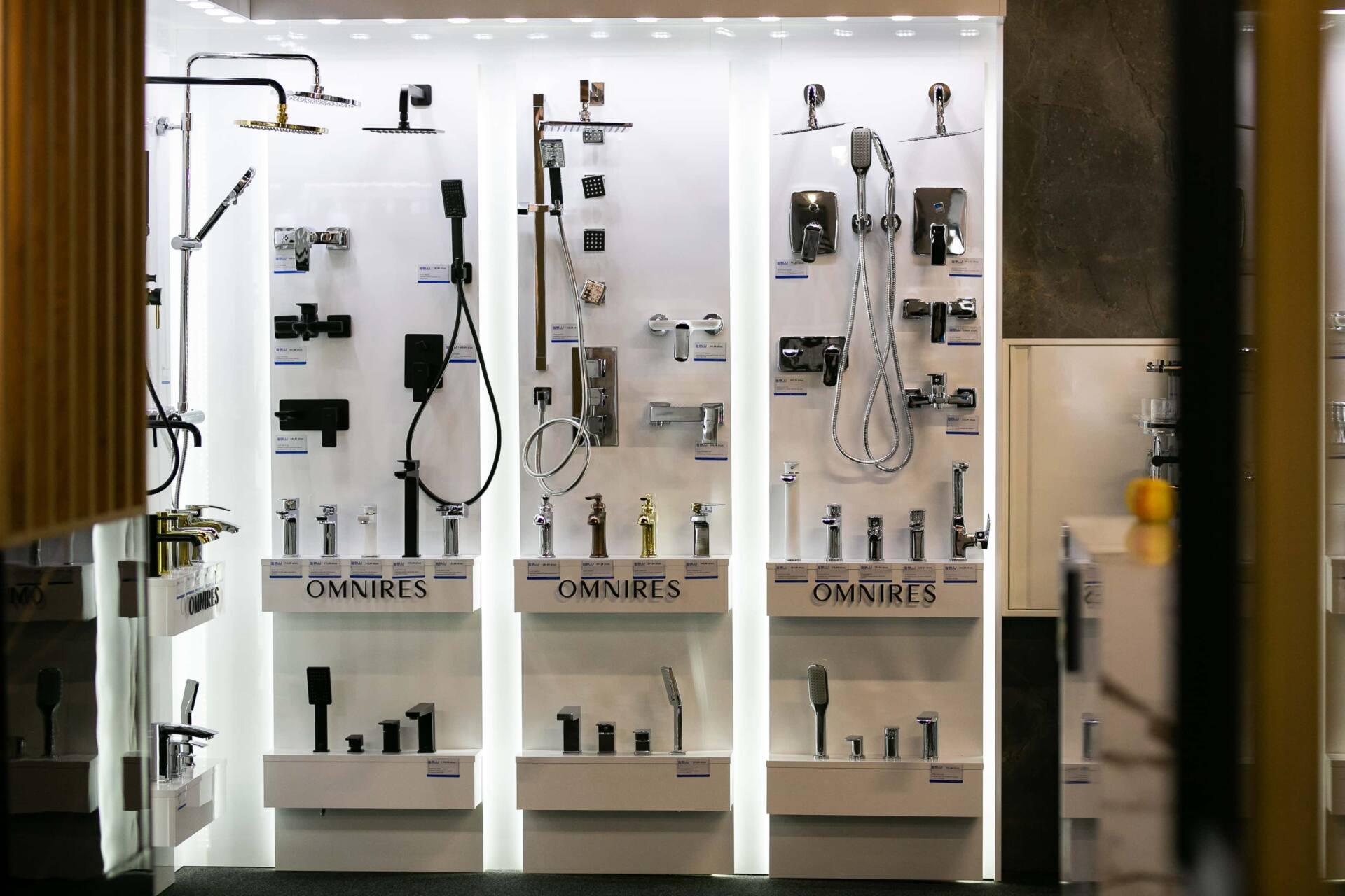 5db 5550 Salon BLU: na ponad 500 m2., 36 łazienkowych aranżacji i bogata ekspozycja wyposażenia (zdjęcia)