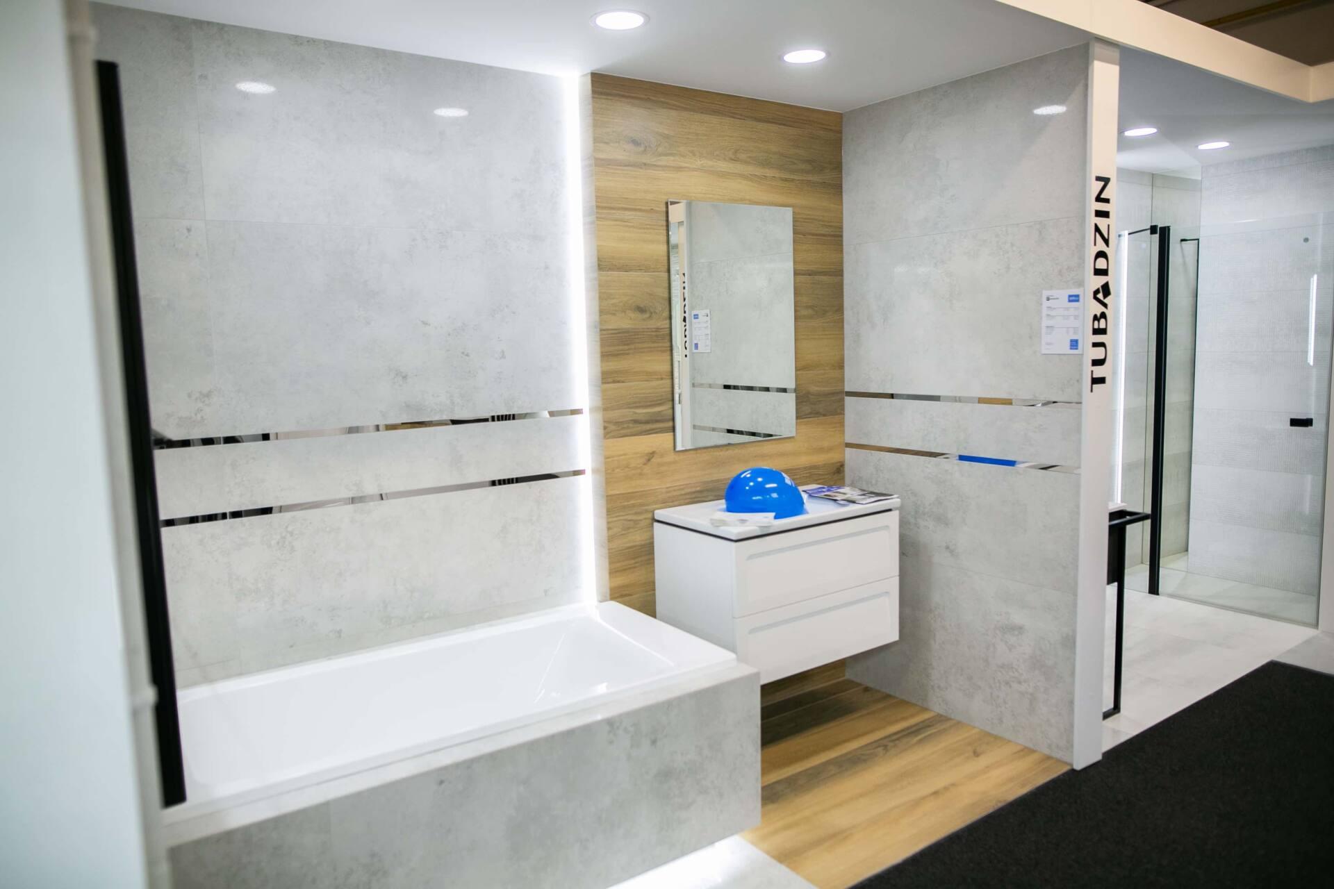 5db 5572 Salon BLU: na ponad 500 m2., 36 łazienkowych aranżacji i bogata ekspozycja wyposażenia (zdjęcia)