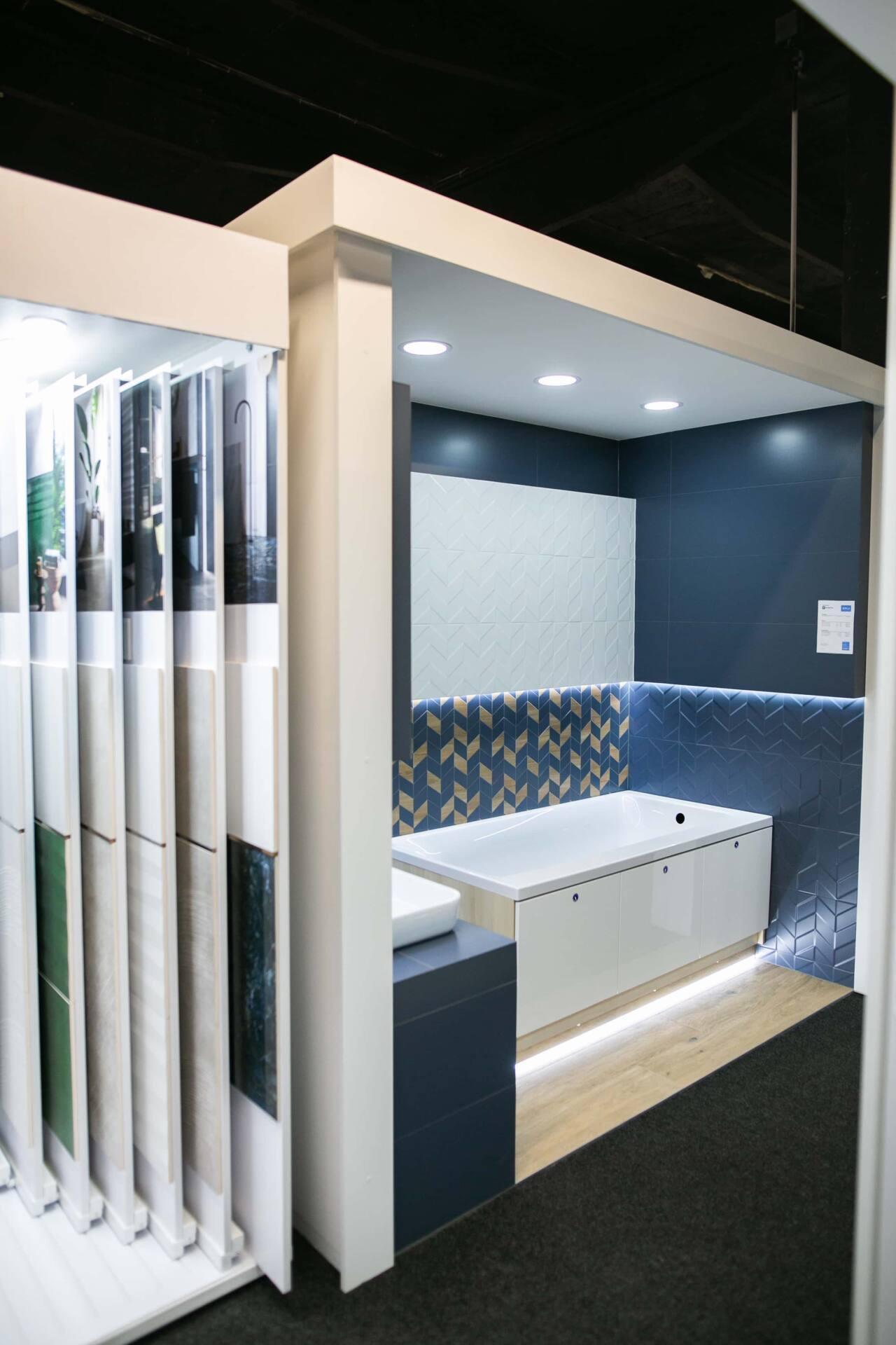 5db 5588 Salon BLU: na ponad 500 m2., 36 łazienkowych aranżacji i bogata ekspozycja wyposażenia (zdjęcia)
