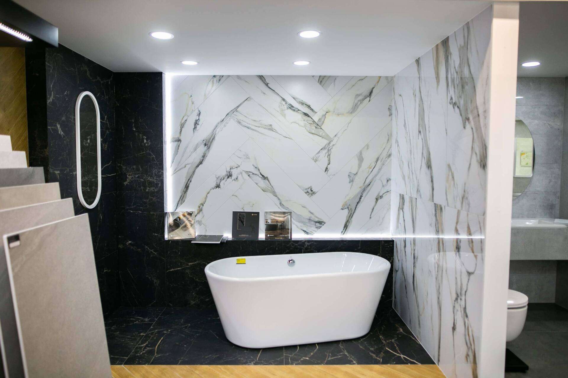 5db 5595 Salon BLU: na ponad 500 m2., 36 łazienkowych aranżacji i bogata ekspozycja wyposażenia (zdjęcia)