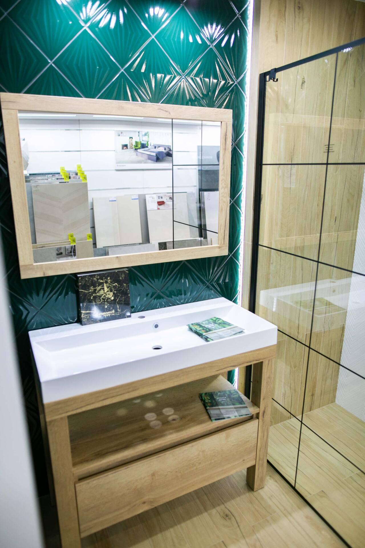 5db 5600 Salon BLU: na ponad 500 m2., 36 łazienkowych aranżacji i bogata ekspozycja wyposażenia (zdjęcia)