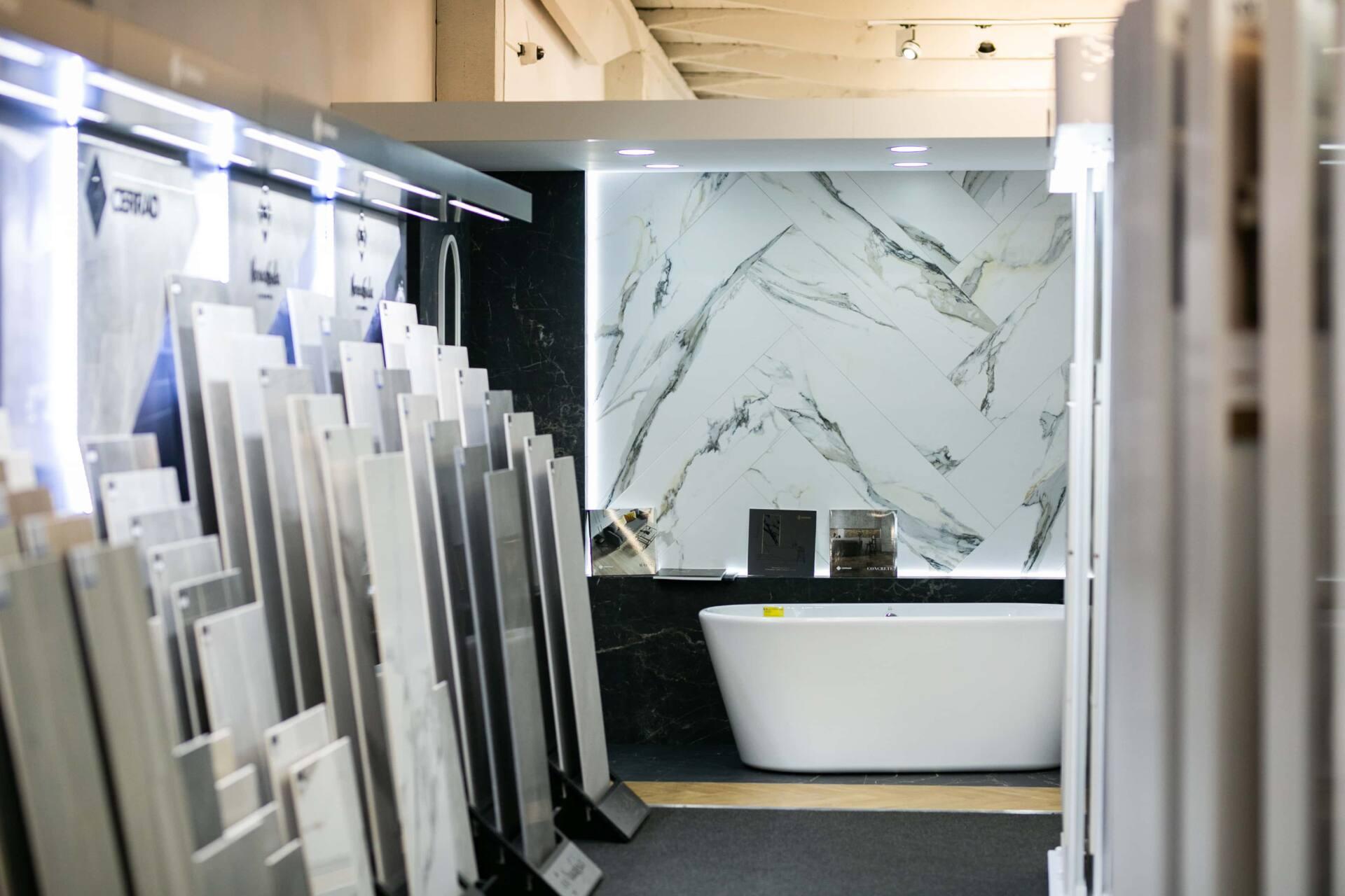 5db 5636 Salon BLU: na ponad 500 m2., 36 łazienkowych aranżacji i bogata ekspozycja wyposażenia (zdjęcia)