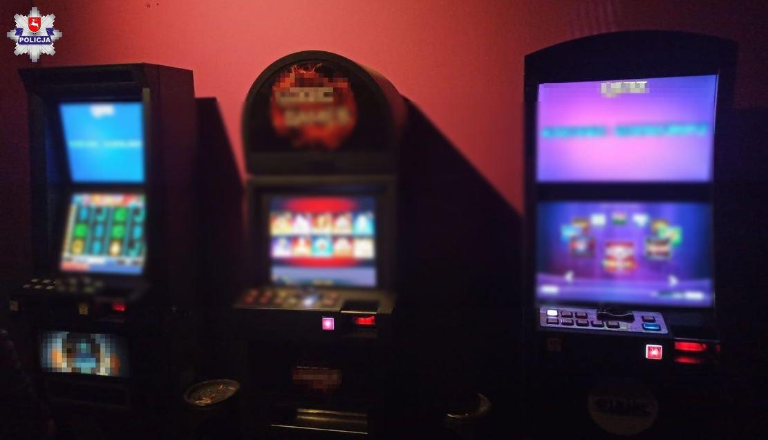 68 177362 Policjanci zabezpieczyli nielegalne automaty do gier
