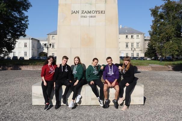 beztytulu Dwudziestu uczniów I LO w Zamościu otrzymało wyjątkowe stypendium