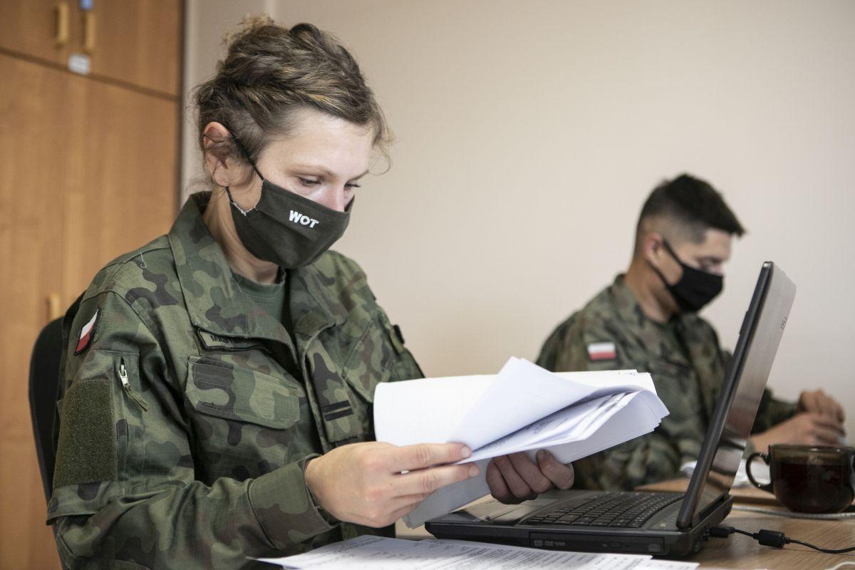 foto 2 lbot wsparcie szpitali Wojsko wspiera szpitale w obsłudze baz danych