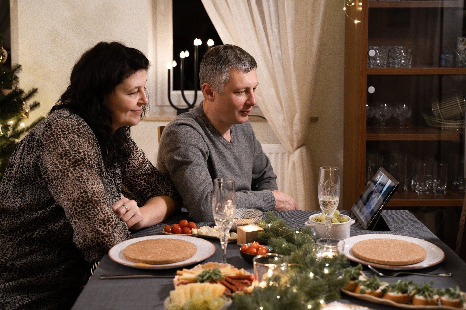 pexels photo 5870867 Jak w tym roku spędzimy Boże Narodzenie? Minister Zdrowia nie pozostawia złudzeń