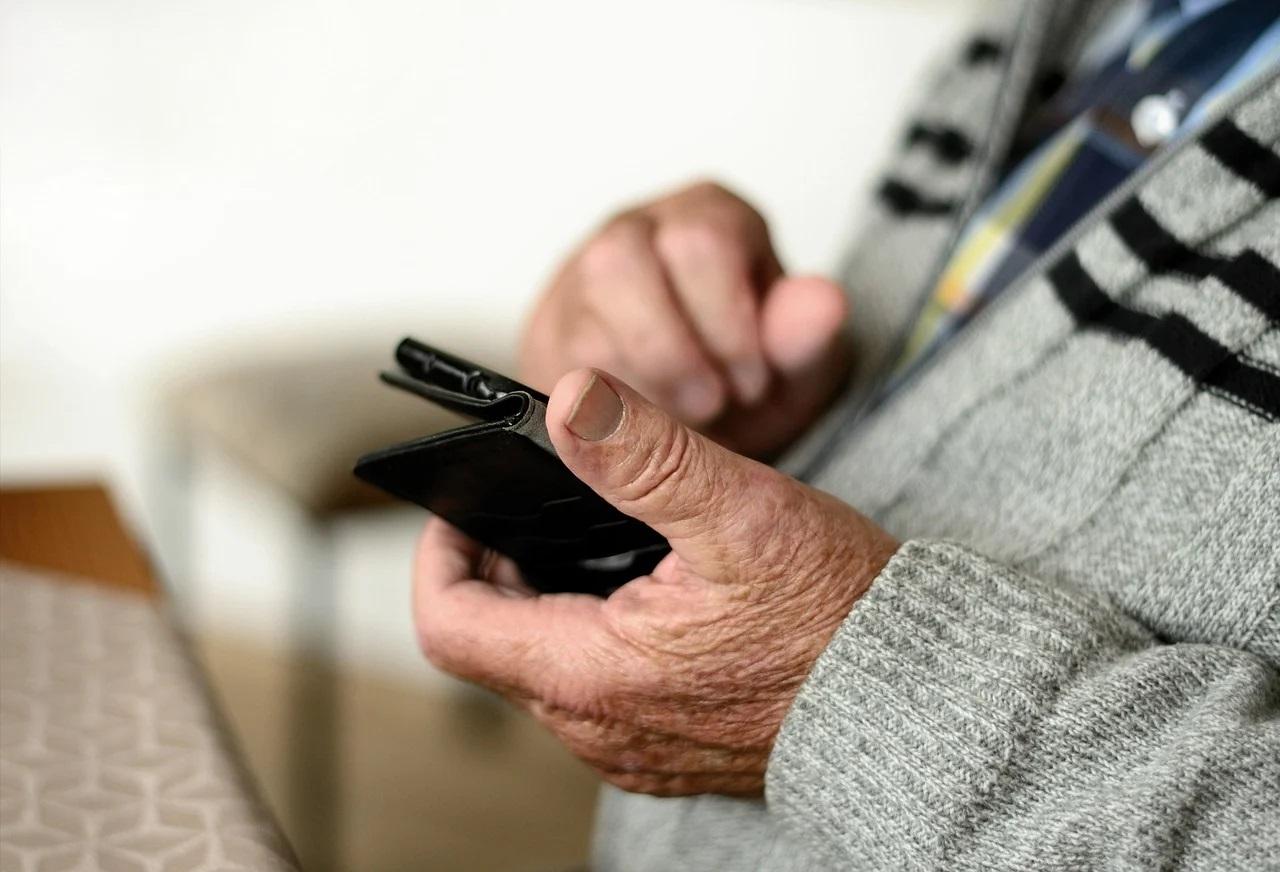 senior 70 - latek nie uwierzył telefonicznemu oszustowi