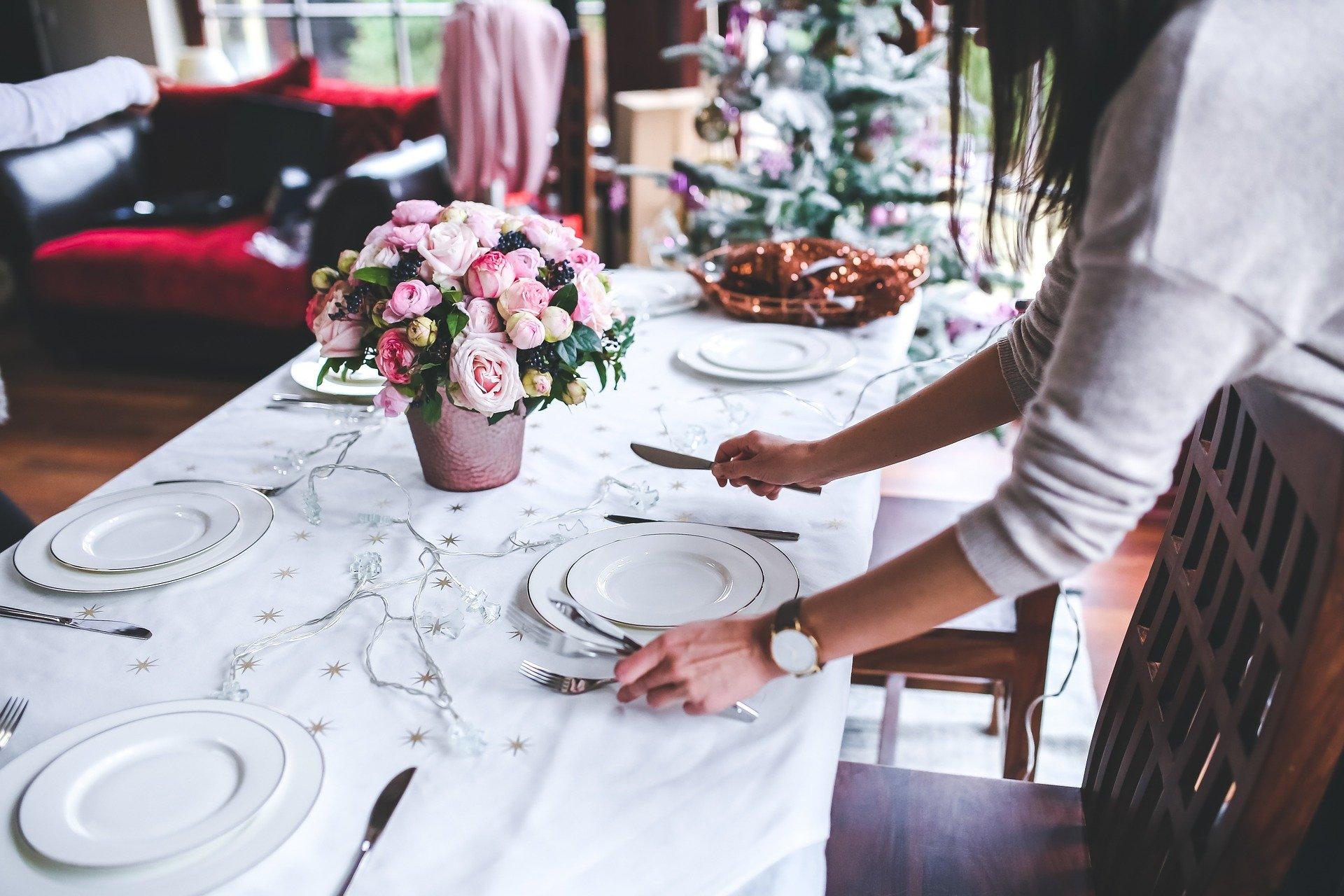 table 791149 1920 Rząd zdecydował ile osób będziecie mogło zasiąść przy wigilijnym stole.