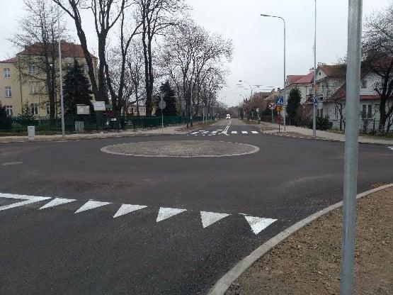 131064732 1060040697796552 4140986369597081722 n ZAMOŚĆ: Mini - rondo przy SP nr 7 już gotowe.