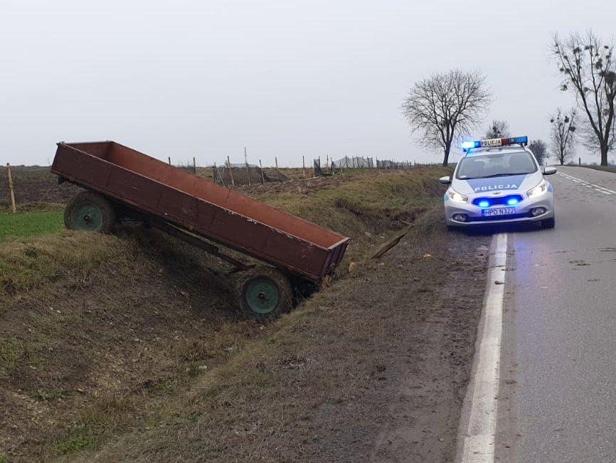 68 178708 g Ciągnik jeździł sam po polu. Zgubił go pijany rolnik [FILM]