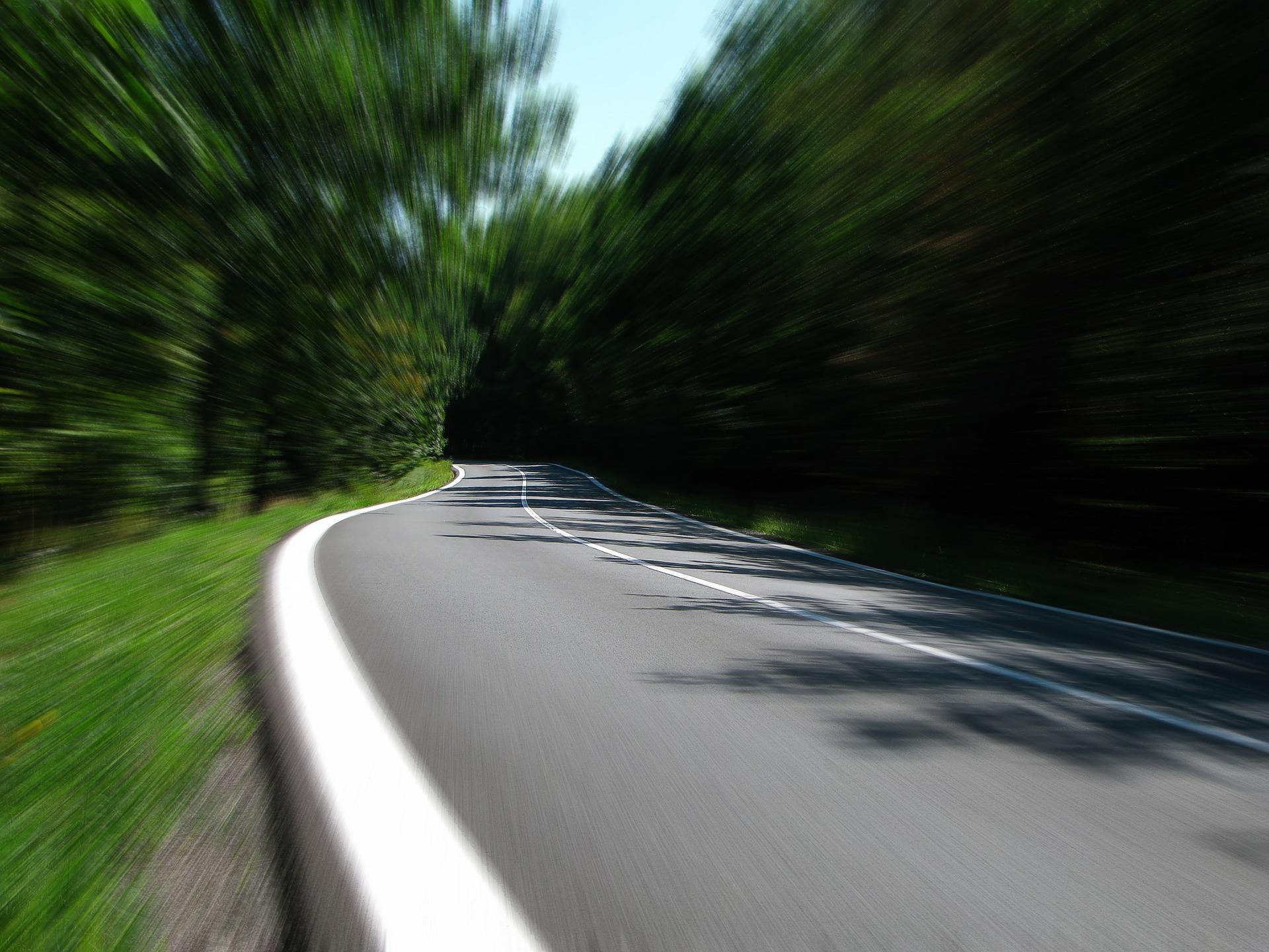 road 259815 1920 289 mln na drogi, 146 mln zł na kolej. Budżet Województwa Lubelskiego na 2021 rok przyjęty.
