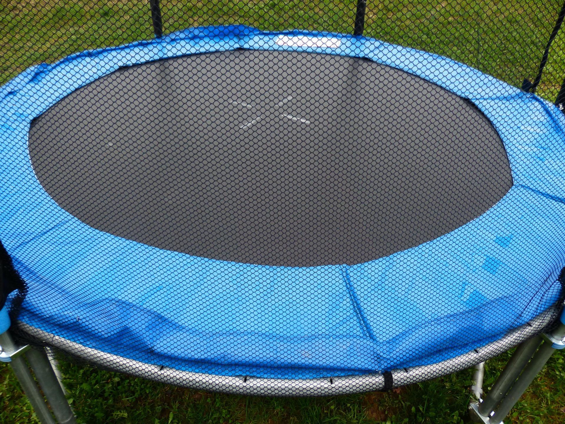 trampoline 114587 1920 Ani trampoliny, ani pieniędzy.