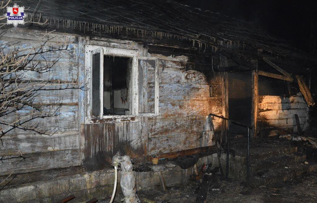 361 180104 GM. STARY ZAMOŚĆ: Tragiczny pożar domu. Nie żyje mężczyzna