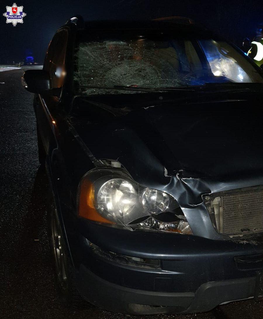 68 179675 Śmiertelny wypadek. Pieszy potrącony przez samochód