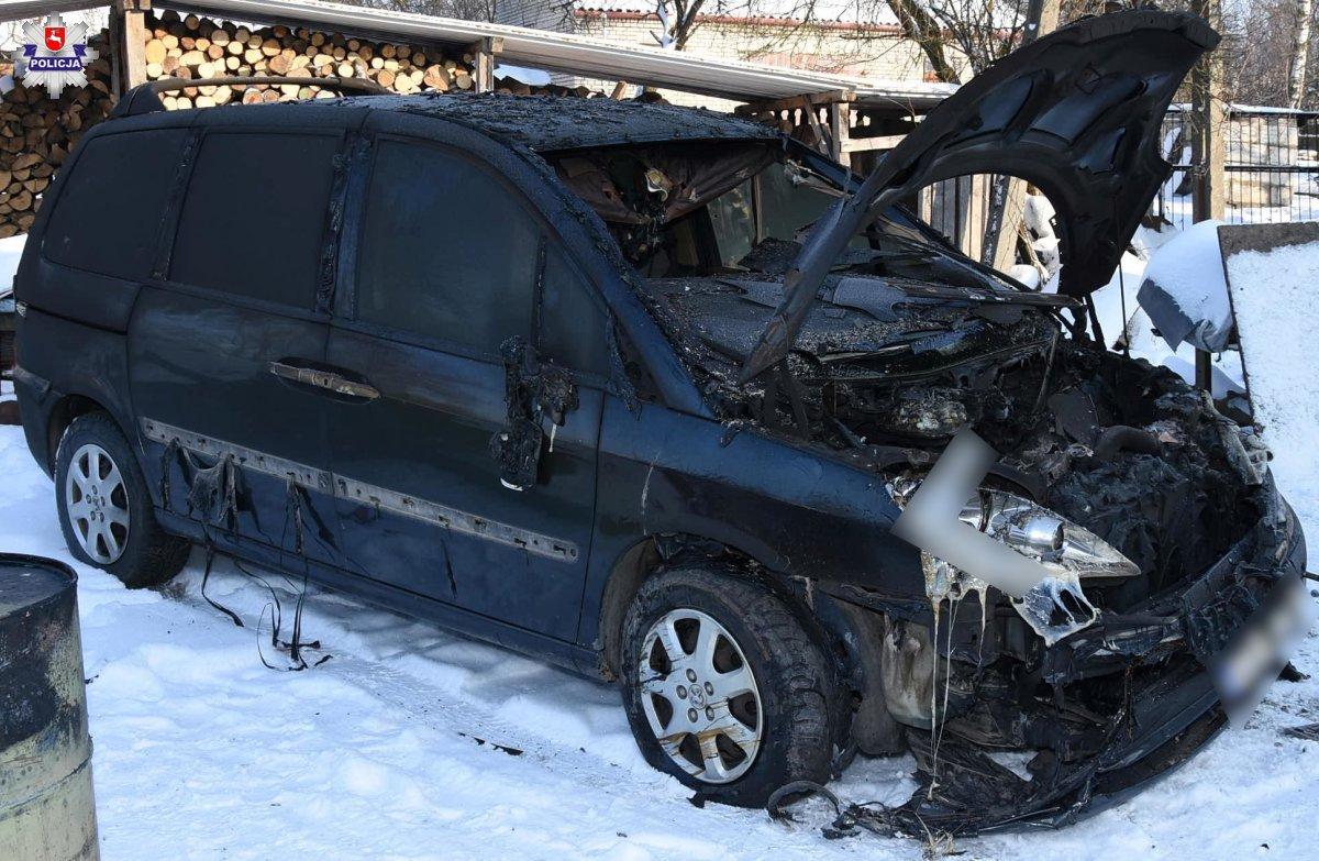 68 180067 1 Nocny pożar warsztatu samochodowego