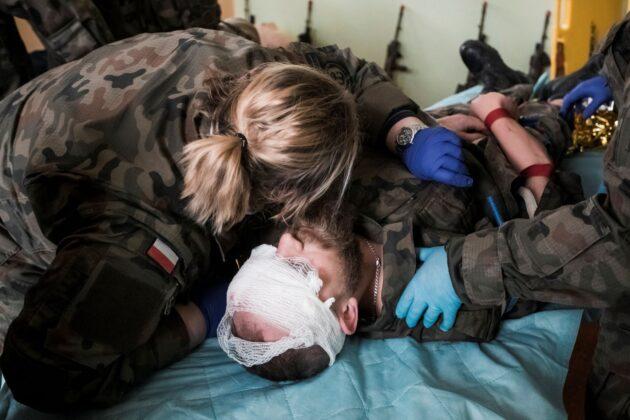 2lbot medycyna taktyczna 1 ZAMOŚĆ: Terytorialsi szkolili się w zakresie medycyny pola walki [ZDJĘCIA]