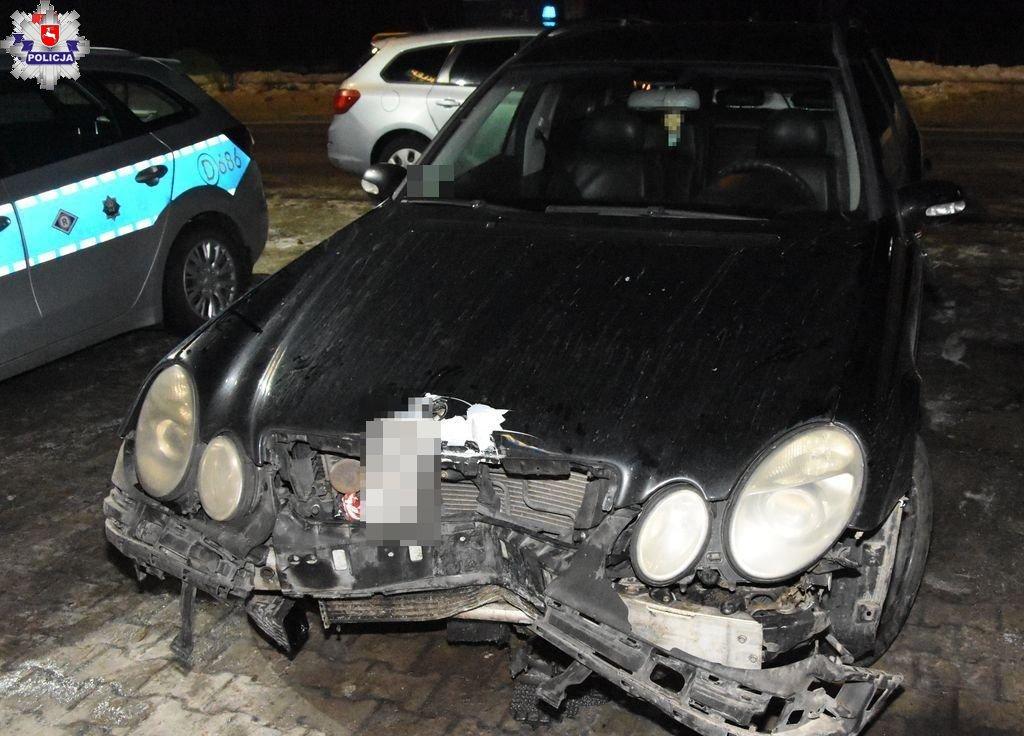 68 180823 Jednym autem kierowało dwóch nietrzeźwych kierowców