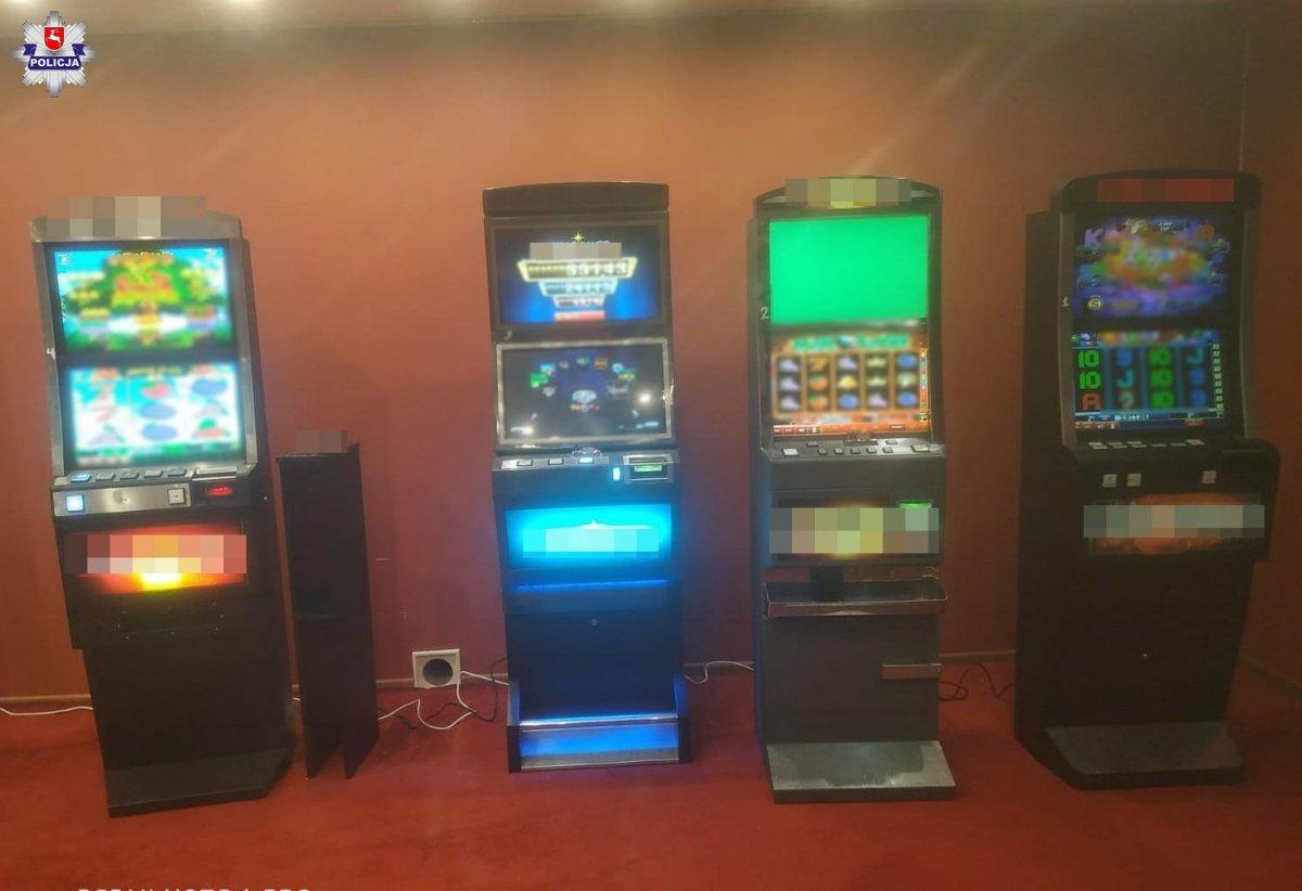 68 181344 Policjanci zabezpieczyli nielegalne automaty do gier