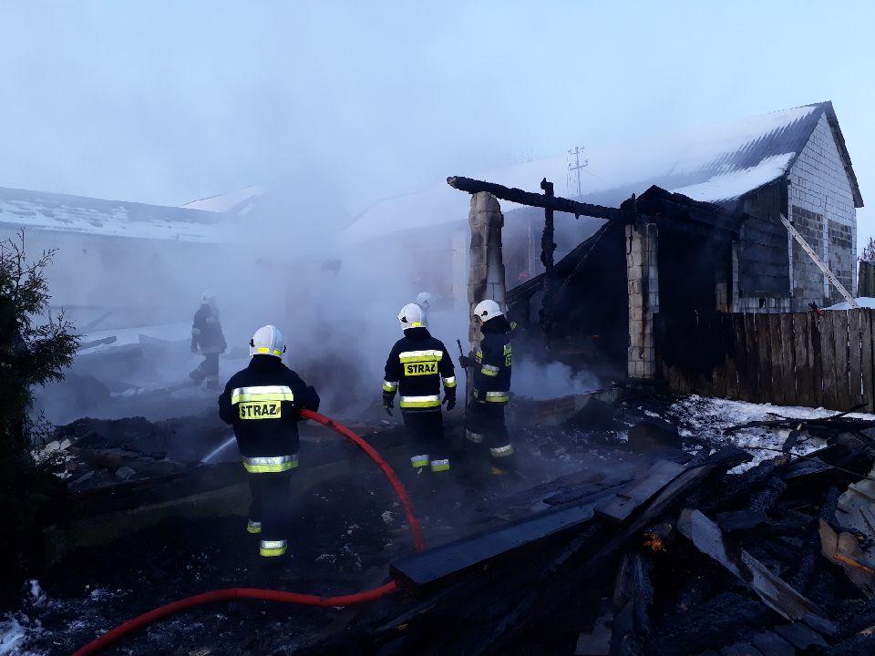adamow1 Gm. Adamów: Pożar strawił garaż wraz z wyposażeniem