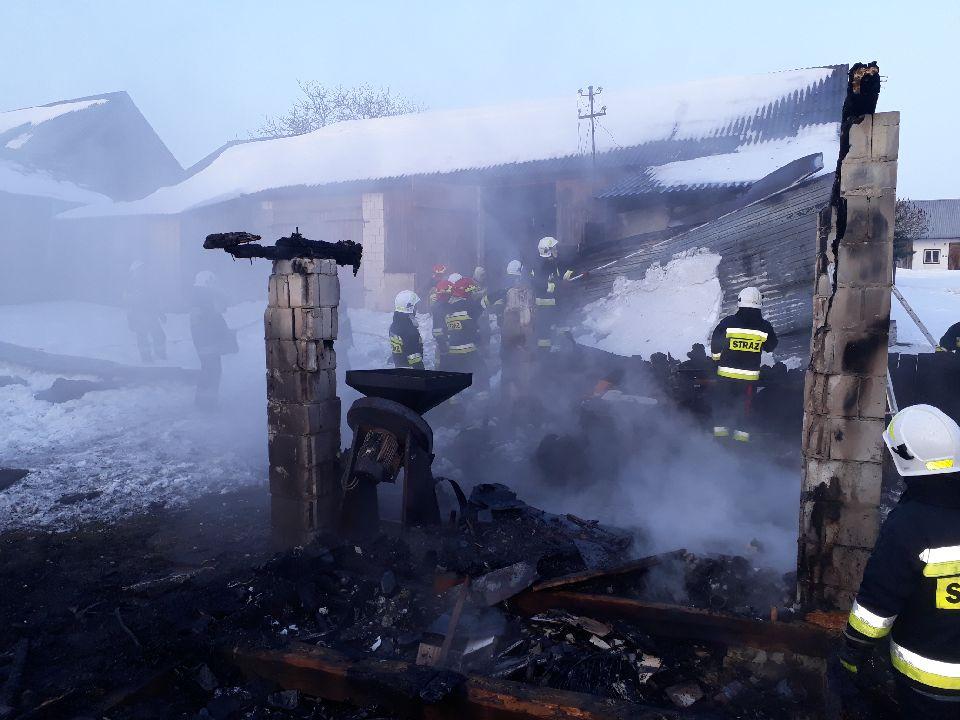 adamow2 Gm. Adamów: Pożar strawił garaż wraz z wyposażeniem