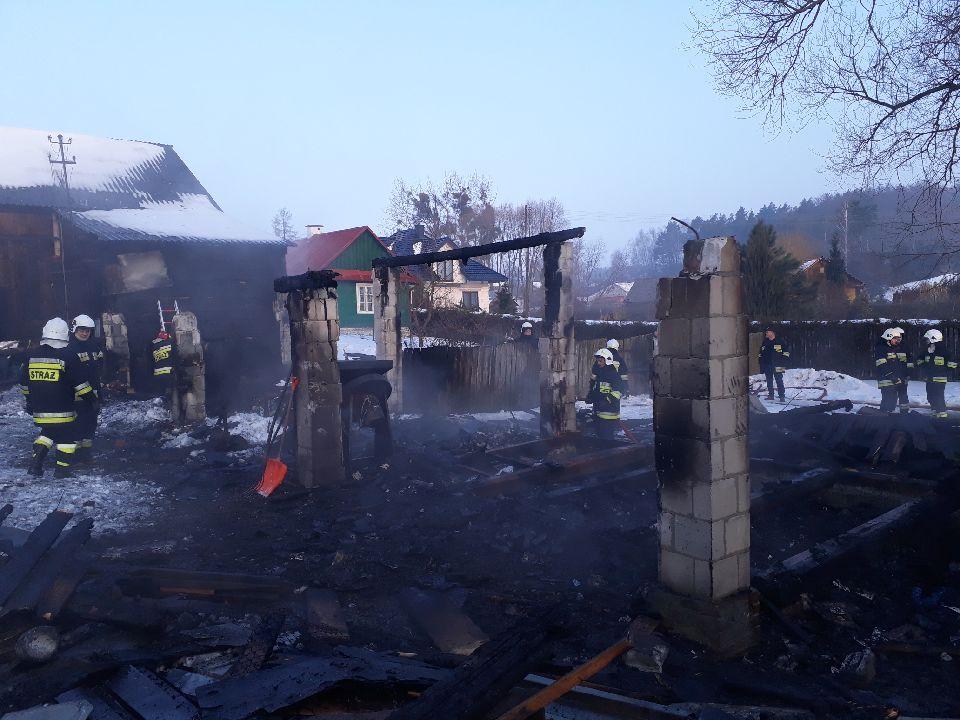 adamow3 Gm. Adamów: Pożar strawił garaż wraz z wyposażeniem