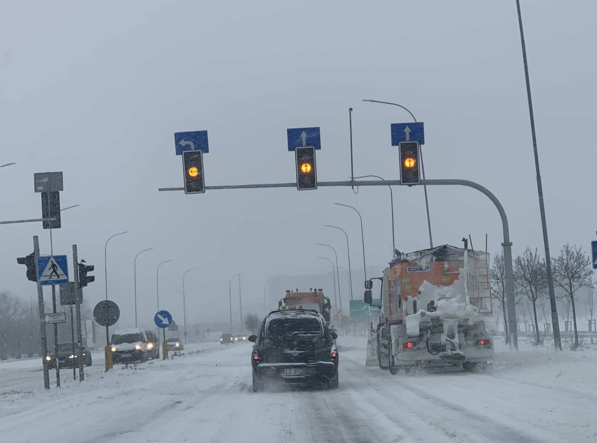 img 6402 ZAMOŚĆ: Drogi są przejezdne, ale warunki do jazdy są trudne