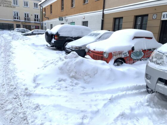 img 6583 ZAMOŚĆ: Obfite opady śniegu. Fatalne warunki na osiedlach i parkingach [ZDJĘCIA]