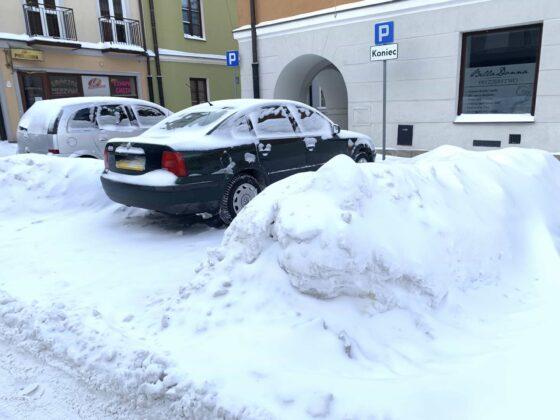 img 6584 ZAMOŚĆ: Obfite opady śniegu. Fatalne warunki na osiedlach i parkingach [ZDJĘCIA]