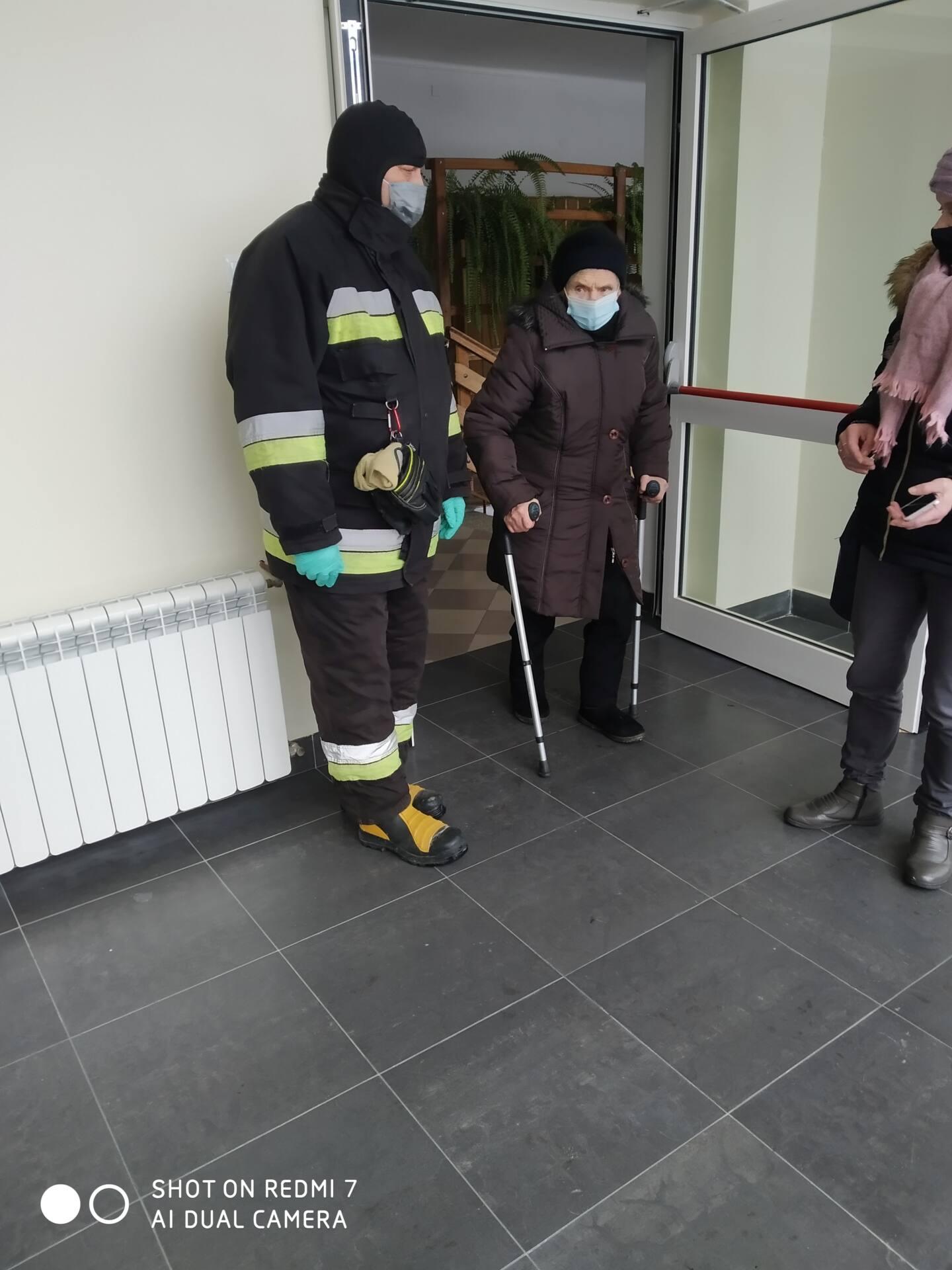 radecznica 3 Strażacy dowożą na szczepienia przeciwko COVID-19